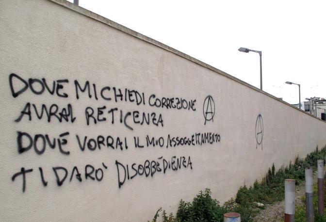 Diffida dai libri leggi sui muri annibale - Frasi sui muri di casa ...